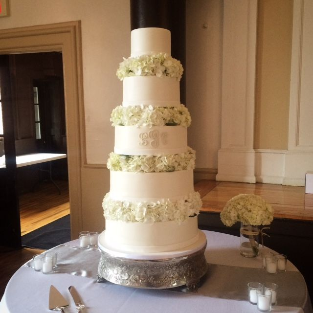 wedding cake with columns wedding cakes one bakery 26852