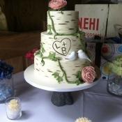 Birch Outdoor Wedding Cake